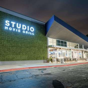 Studio Movie Grill Sunset Walk in Kissimmee, FL