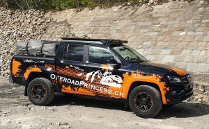 VW Amarok Offroadrpincess in Orange und Schwarz