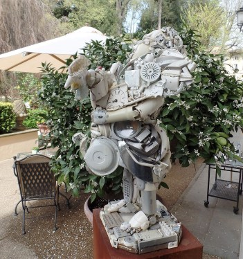 Garden scyulpture