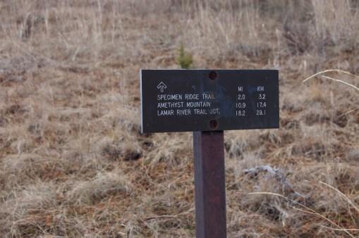Mileage sign at Picnic Trailhead (2L7)