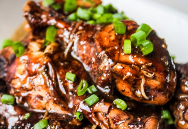 slow-cooker-balsamic-chicken-legs