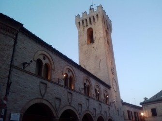 The tower in Montelupone.