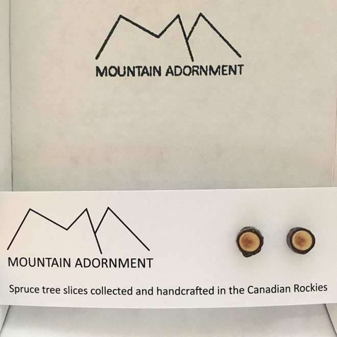 If you love nature and you love jewelry, then there's no question about it - you'll love these nine handmade pieces of nature-inspired jewelry! Like these handmade tree slice earrings by Mountain Adornment.