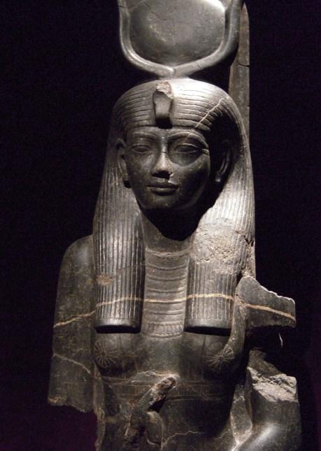 Dançarina do amor - Estátua de Hathor, no Museu Egizio,