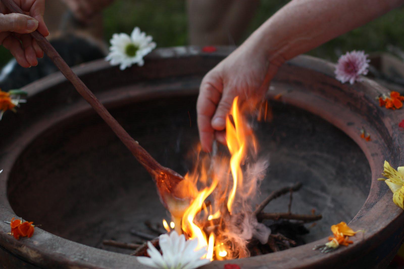 Resultado de imagem para EQUILÍBRIO E HARMONIA - Ritual para queimar energias negativas