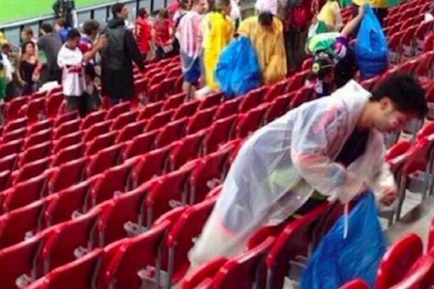 Japan-fans-at-the-Arena-Pernambuco