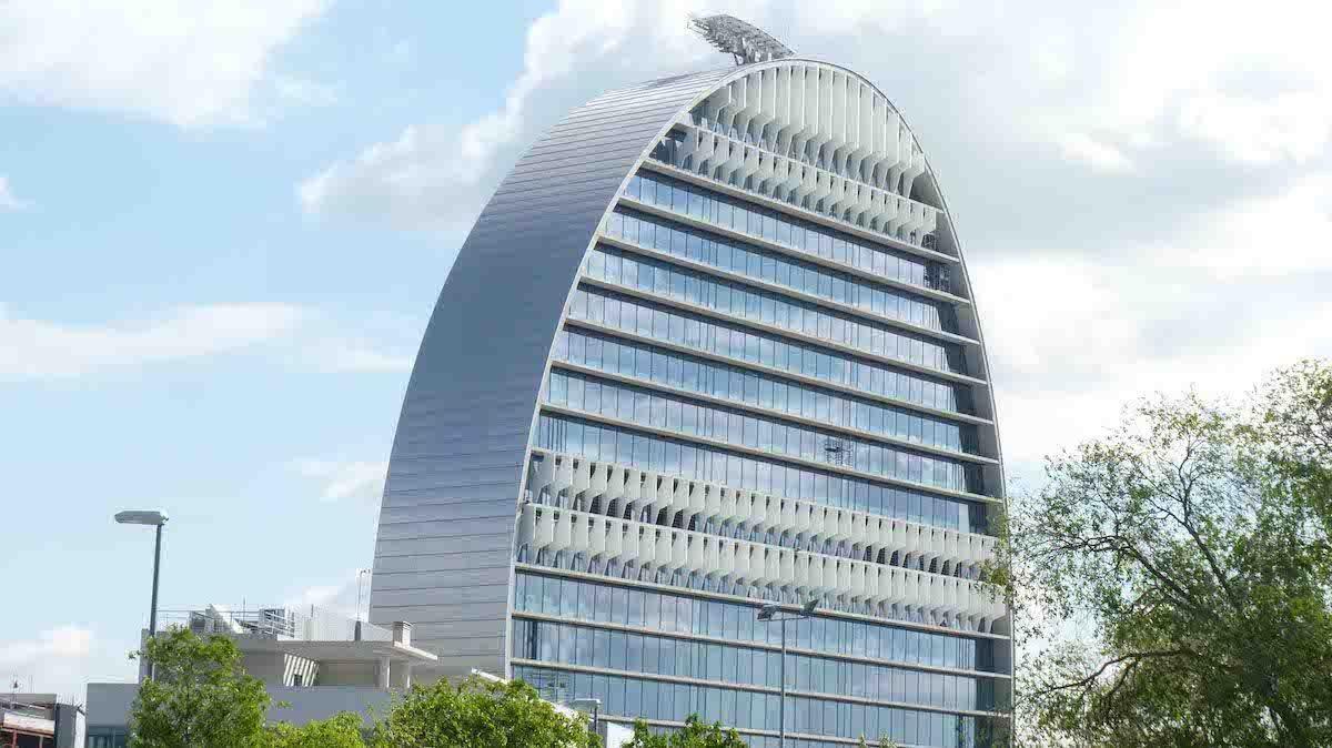 Reforma de fachadas de oficinas en madrid ofimad for Edificios oficinas madrid