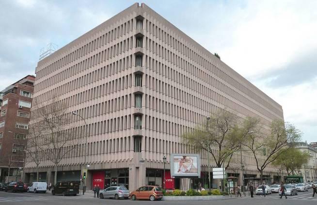 Exterior del Edificio Beatriz, nueva ubicación de Baker & McKenzie en Madrid.