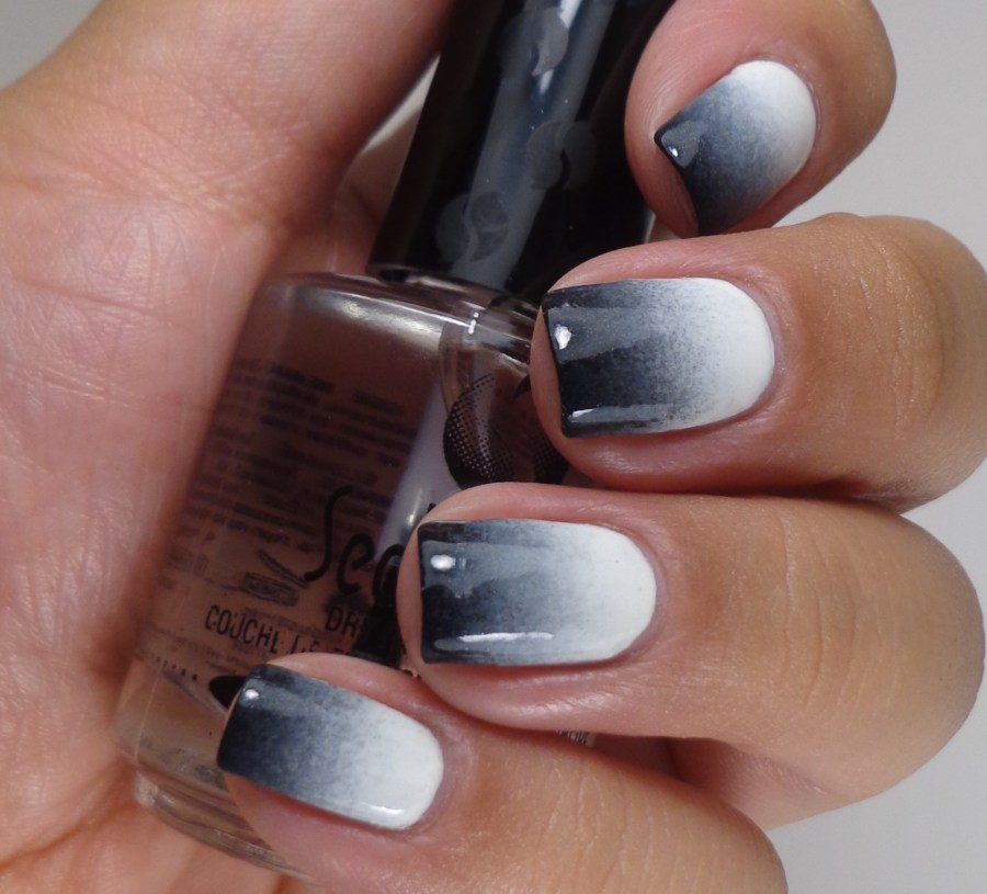 Black and White Gradient 1