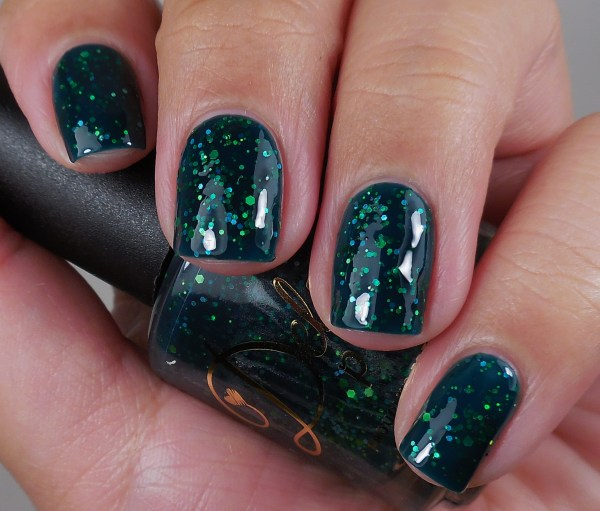 Delush Polish Green With Ivy 1