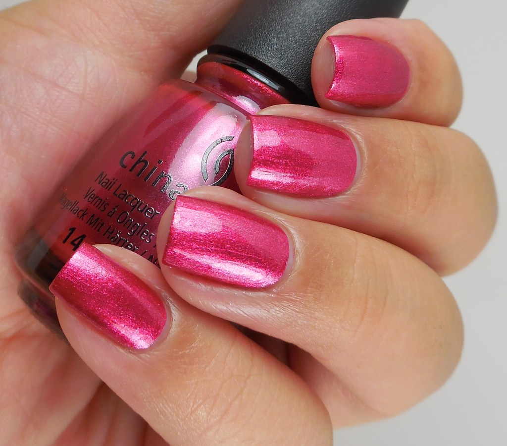 china-glaze-the-more-the-berrier-2