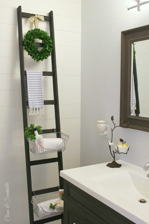 Try this DIY storage ladder for your bathroom. How cute?