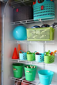 Organize all your kids' toys in the garage using cheap dollar store bins. Repin if you like this idea!