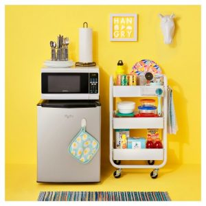 Love this mobile cart to store food in a small kitchen. Perfect for a small dorm or apartment. Repin!