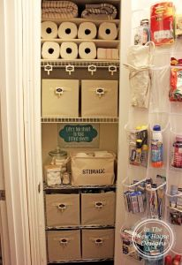 Use a shoe organizer in your linen closet to store your toiletries. Repin if you think this is a great idea!