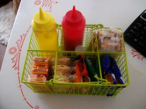 Use a dollar store organizer to store snacks during road trips. Repin for later!