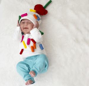 DIY ice cream sundae halloween costume for babies. Love this idea! Repin.