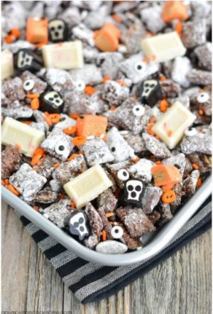 Halloween Snack Mix for Halloween! Yummy!