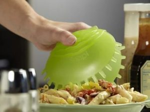 It looks like a venus fly trap! I think it would be great for picking up servings of salads and pasta.