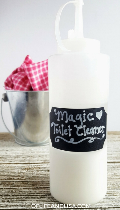 DIY Toilet bowl cleaner thats made with natural ingredients.