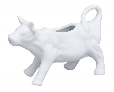 Love this cow creamer dish! #farmhousedecor