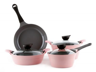 Love this pink cookware set!