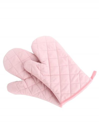 Love these pink oven mitts! How cute are these?