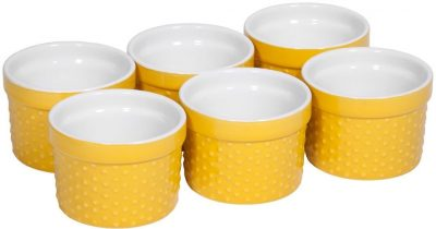 Loving these yellow soufle dishes!
