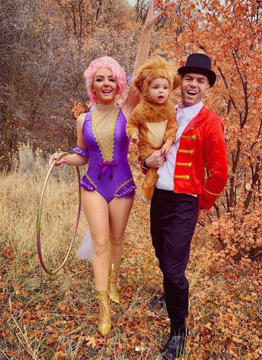 the greatest showman halloween costume - 50 Best Couples Halloween Costume Ideas for 2019