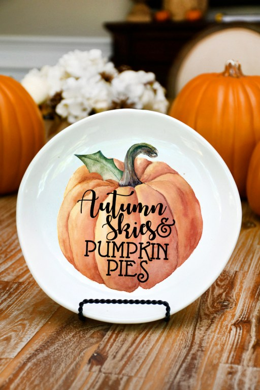 DIY fall decorative plate 3 - 30+ Fall Craft Ideas to Make and Sell for Extra Money