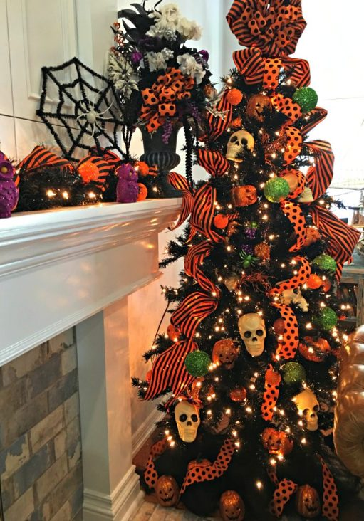 stripes polka dots halloween tree - 18 Best Halloween Christmas Tree Decorating Ideas for 2019