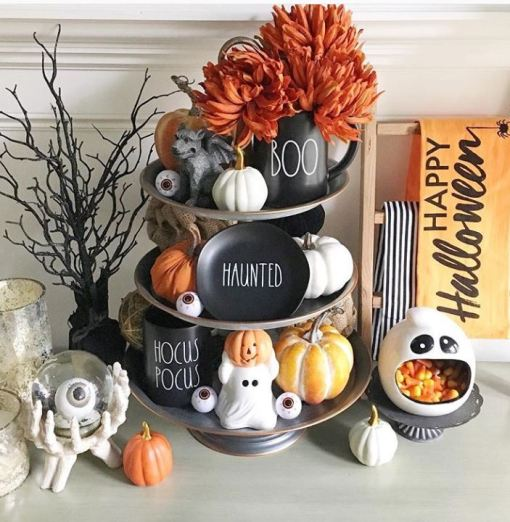 tiered tray halloween - 19 Fabulous Halloween Tiered Tray Decor Ideas
