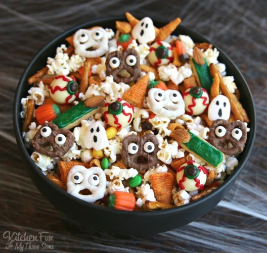 halloween snack mix 2 - 15 Most Brilliant Halloween Party Food Ideas