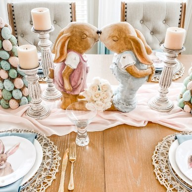 Easter Spring Bunnies Kissing table centerpiece