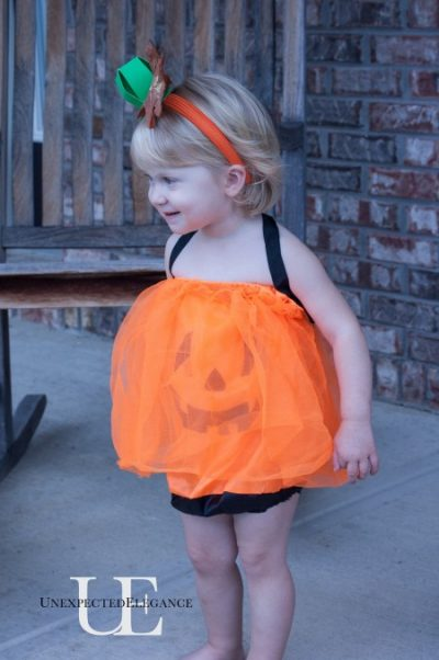 This costume only cost $4 to make! | DIY Dollar Store Halloween Costume Idea for Toddler Girl