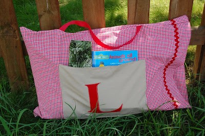 These adorable pillow cases make it easy for the kiddos to carry their playthings from place to place.   Toddler Parenting Hacks