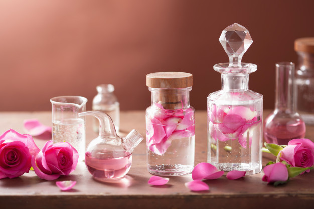 Know More About The Types Of Perfume Oils