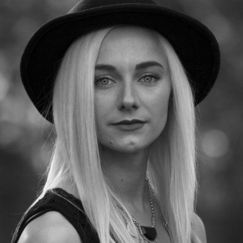 Stefania Barr