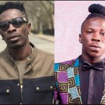STONEBWOY PULLS GUN AS HE FIGHTS SHATTA WALE ON GHANA MUSIC AWARDS STAGE (VIDEO)