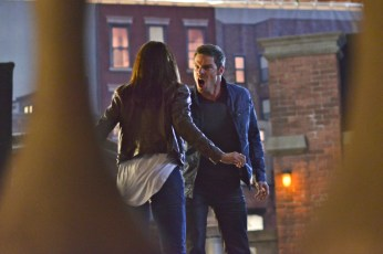 """Beauty and the Beast -- """"Kidnapped"""" -- Pictured (L-R): Kristin Kreuk as Catherine and Jay Ryan as Vincent -- Image Number: BB202a_0309.jpg — Photo: Sven Frenzel/The CW -- © 2013 The CW Network, LLC. All rights reserved."""