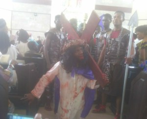 (+PICTURES) VIEW HOW ST.DENIS BARIGA DRAMATIZED THE CRUCIFIXION OF JESUS!