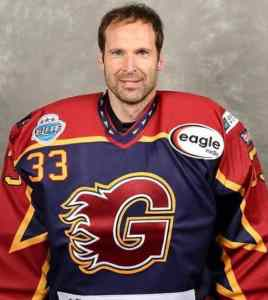 Read more about the article FORMER FOOTBALL GOALKEEPER PETR CECH SIGNS FOR ENGLISH ICE HOCKEY TEAM.
