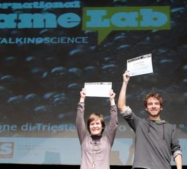 Simone Kodermaz e Victoria Bertucci Maresca sul palco del Teatro Miela