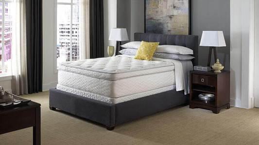 國外飯店的床較高