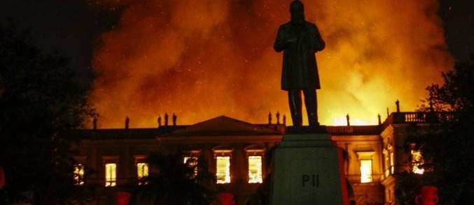 Incêndio de grande proporção atinge o Museu Nacional na Quinta da Boa  Vista, em São Cristóvão - Jornal O Globo