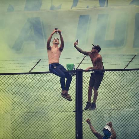 Torcedores do Boca Juniors durante primeira partida da final Foto: EITAN ABRAMOVICH / AFP