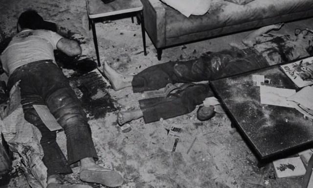 Na imagem mostrada no documentário as armas não aparecem Foto: Reprodução