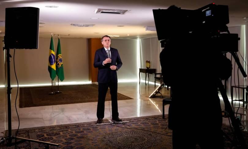 Bolsonaro vai à rede nacional de TV defender que queimadas na Floresta Amazônica não sejam pretexto para sanções ao Brasil Foto: Carolina Antunes / PR / 23/08/2019