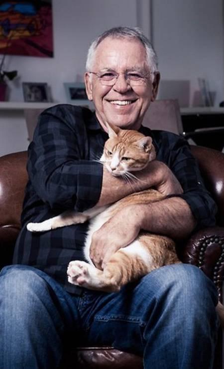 Nelson Motta e seu gato Foto: Arquivo pessoal