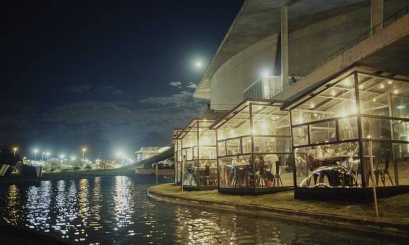 Restaurante Sushi das Artes, com cabines, na Cidade das Artes Foto: Divulgação/Sandro Mendonça